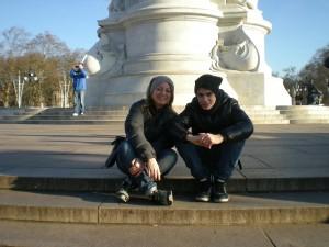 pausa ai piedi del Buckingham Palace